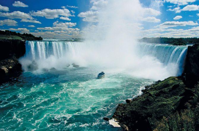 In vizita la cascada Niagara